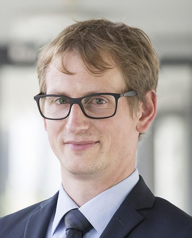 """Steffen Hess ist Abteilungsleiter für """"Digital Society Ecosystems"""" am Fraunhofer-Institut für Experimentelles Software Engineering (IESE). Foto: IESE"""