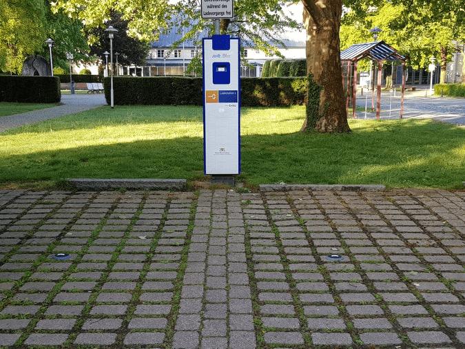 Über Parksensoren zeigt eine App an, wo Autofahrer parken können.