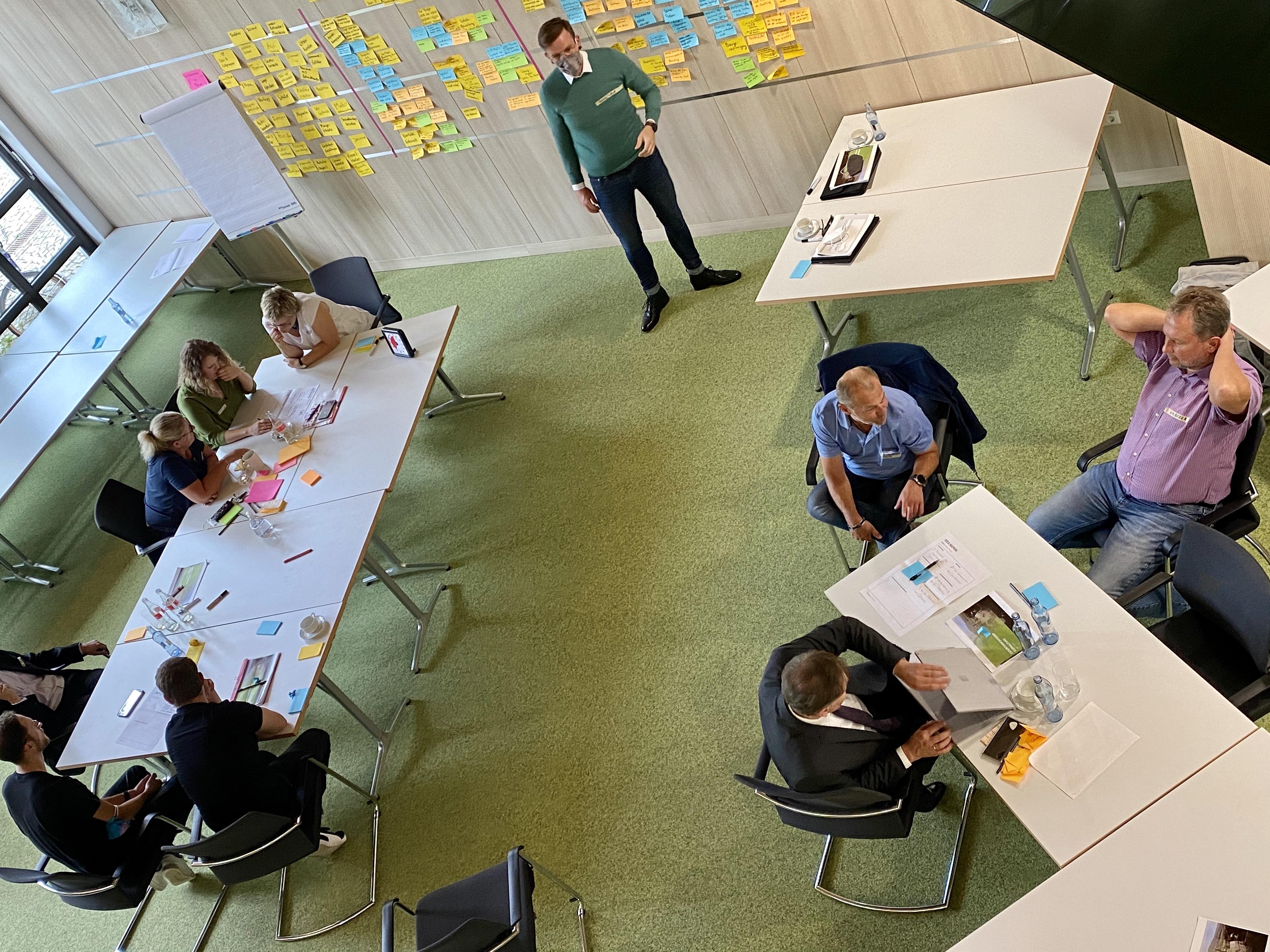 Experten entwickeln erste Ideen für digitale Anwendungen.
